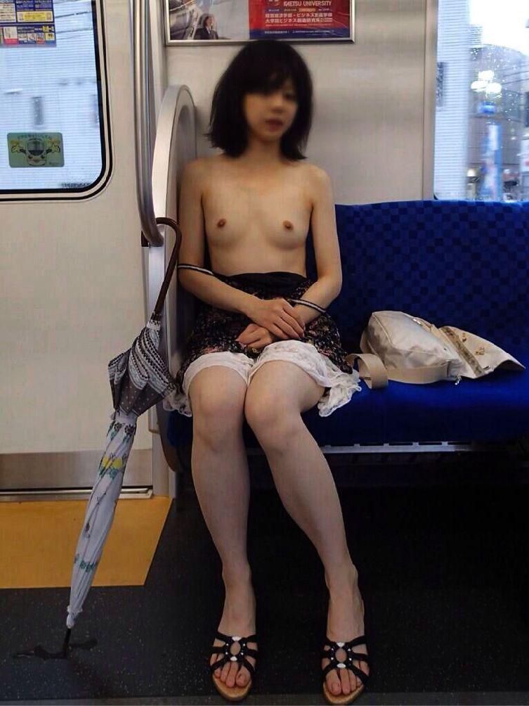 外出すると服を脱いじゃう素人さん (8)