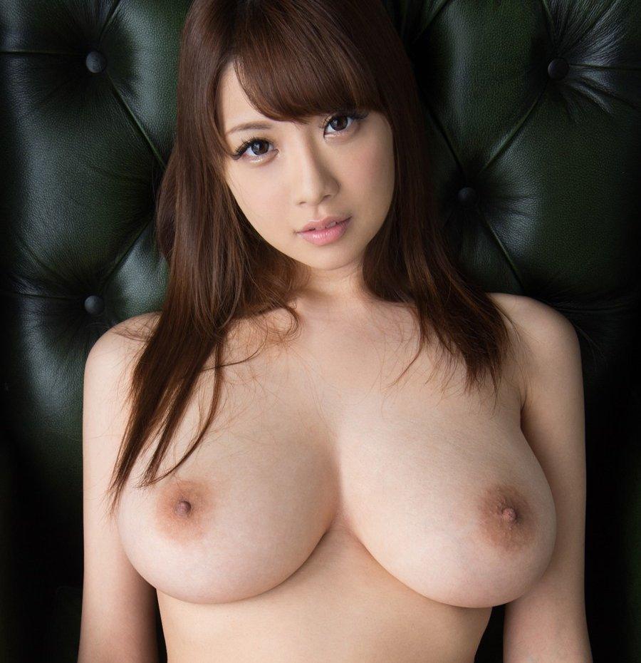 宇都宮しをんから改名した美巨乳美女、RION (1)