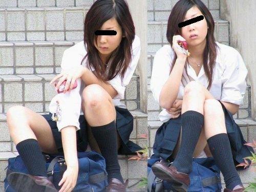 スカートが短いと下着が丸見えになる (3)