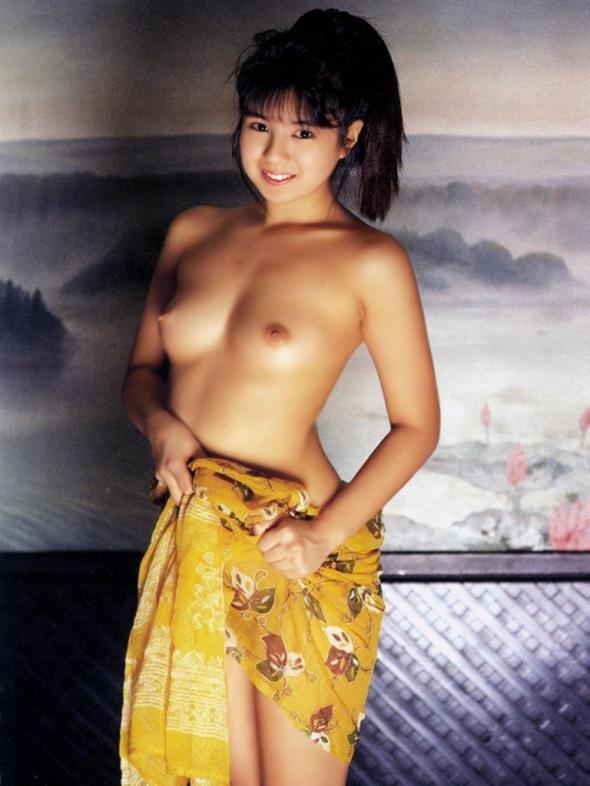 見惚れてしまうほど美しい乳房 (2)