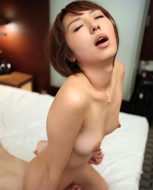 女性が上になって強制的にクンニさせる (4)