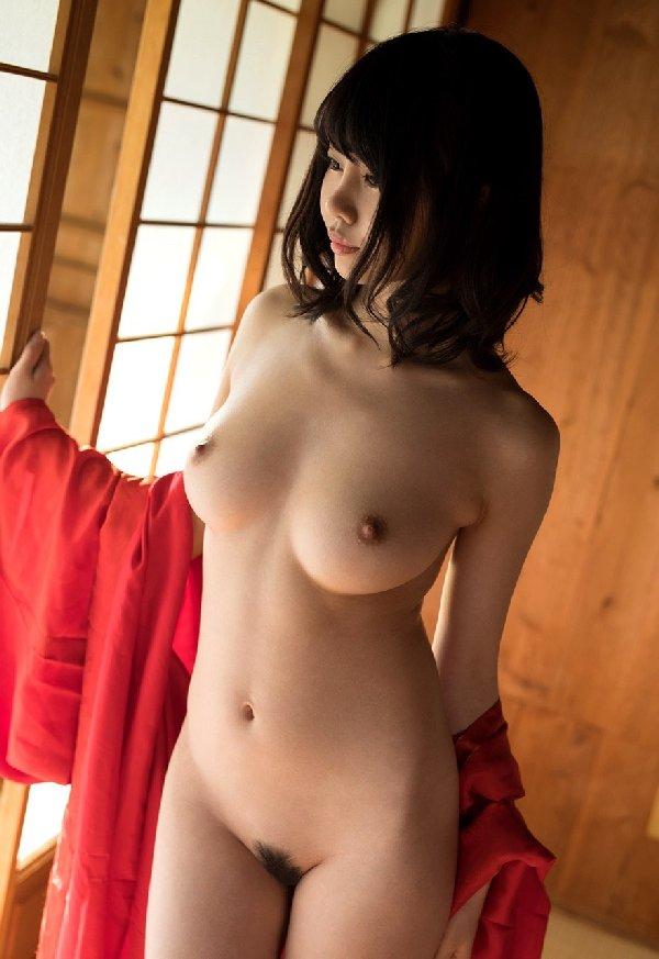 大きな乳房でパイズリしてSEXしまくる、春宮すず (5)