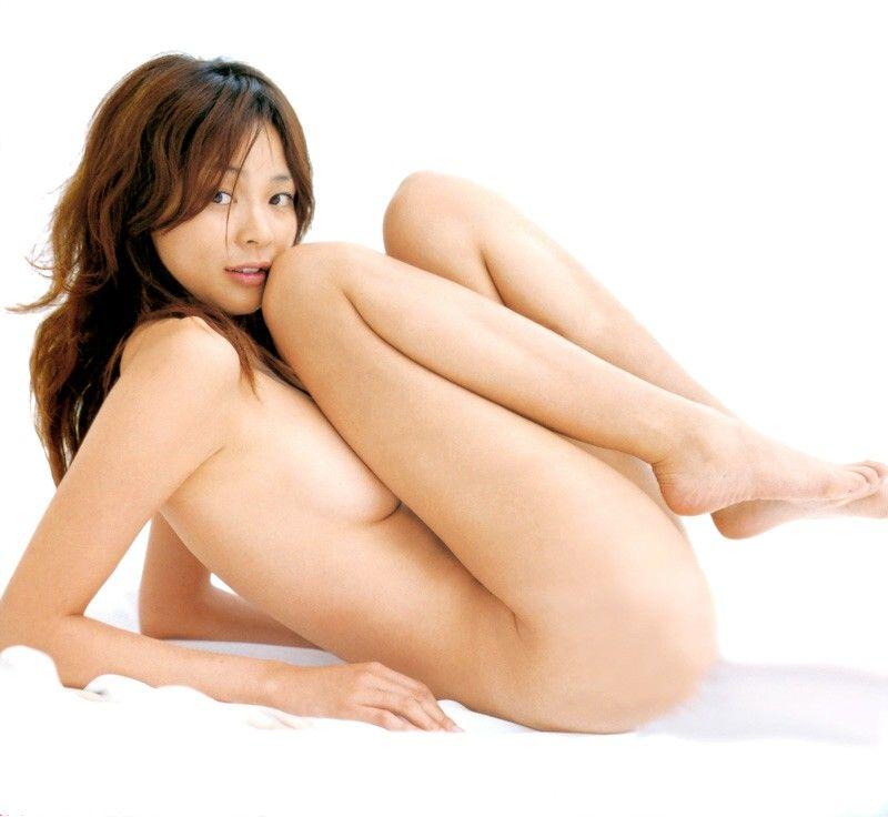 おっぱいが見えそうなアイドルの裸 (5)