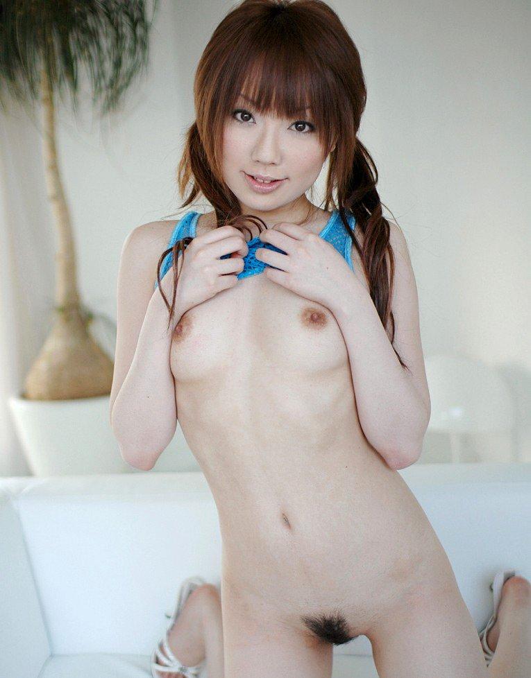 ちっちゃい乳房のキュートな子 (14)