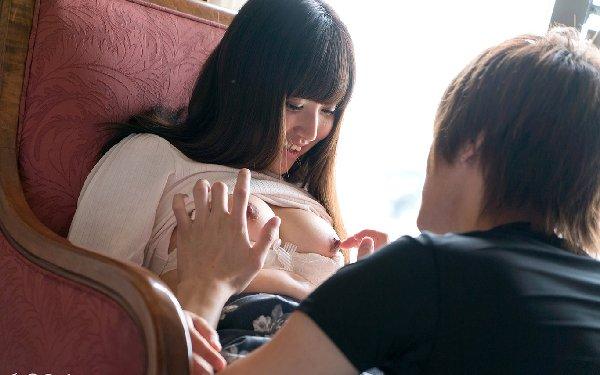 恥ずかしがりながらハードSEXする、川崎亜里沙 (9)