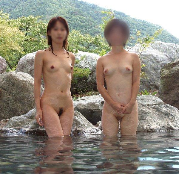 素っ裸で入浴中の素人さん (14)