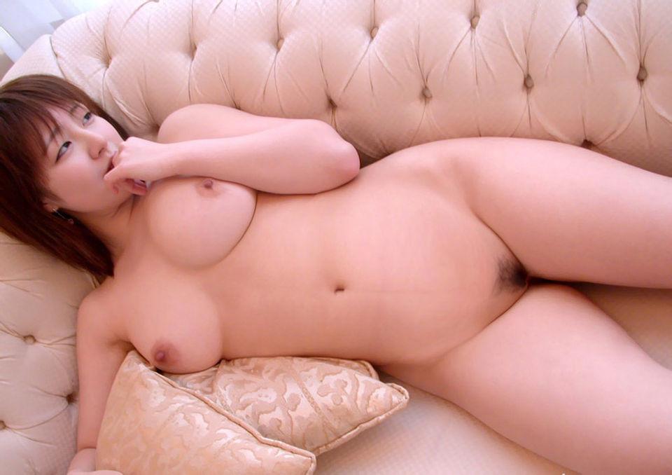 豊満ボディで巨乳の裸体 (5)