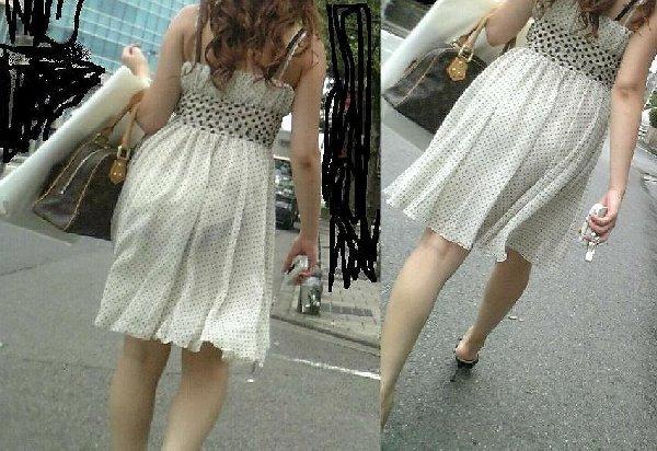薄手の洋服で下着が透けまくる (3)