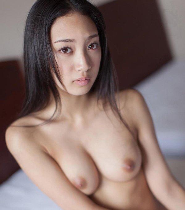 綺麗な顔してスケベなSEX、辻本杏 (1)