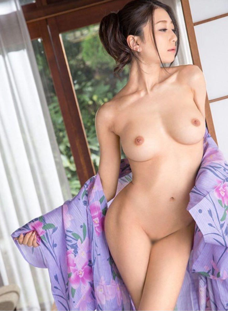華奢な腰も素敵なセクシーボディ (19)