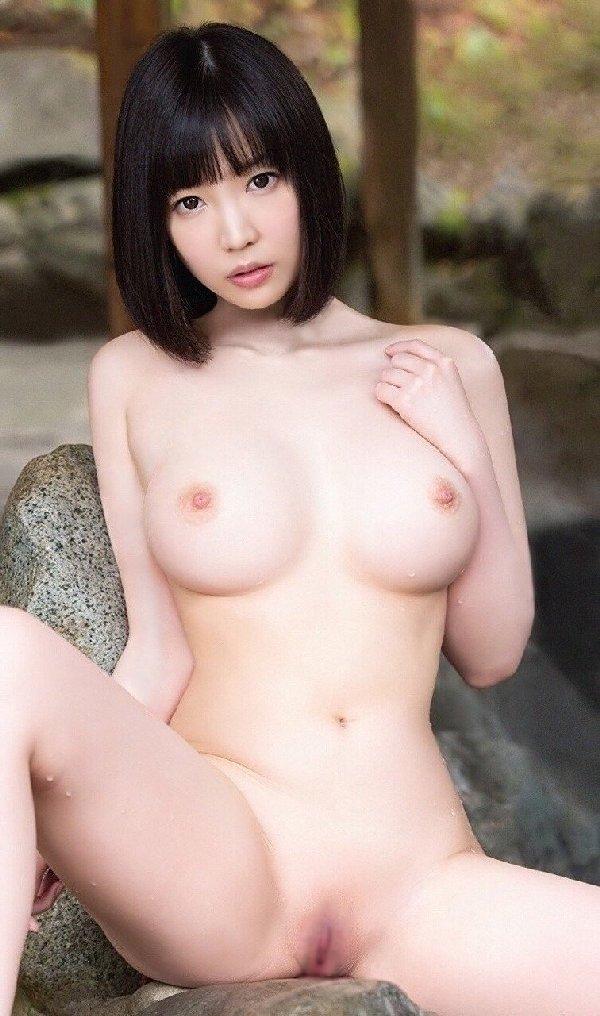 デカいのに美しい乳房 (19)