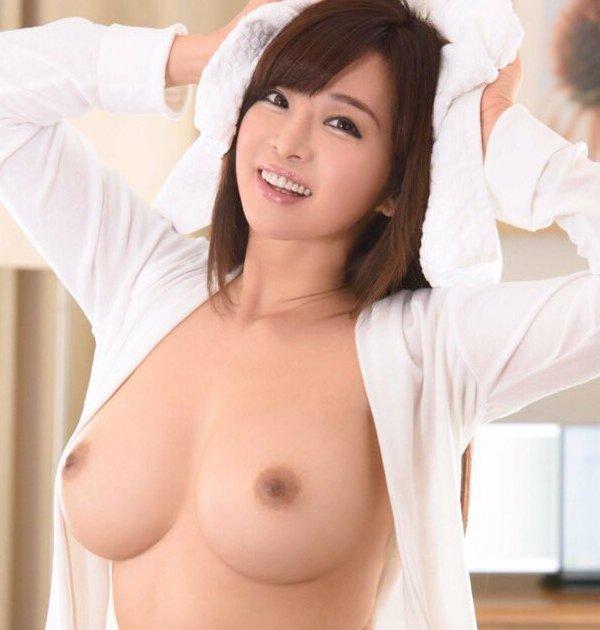 美巨乳の熟女がハードなSEX、KAORI (1)