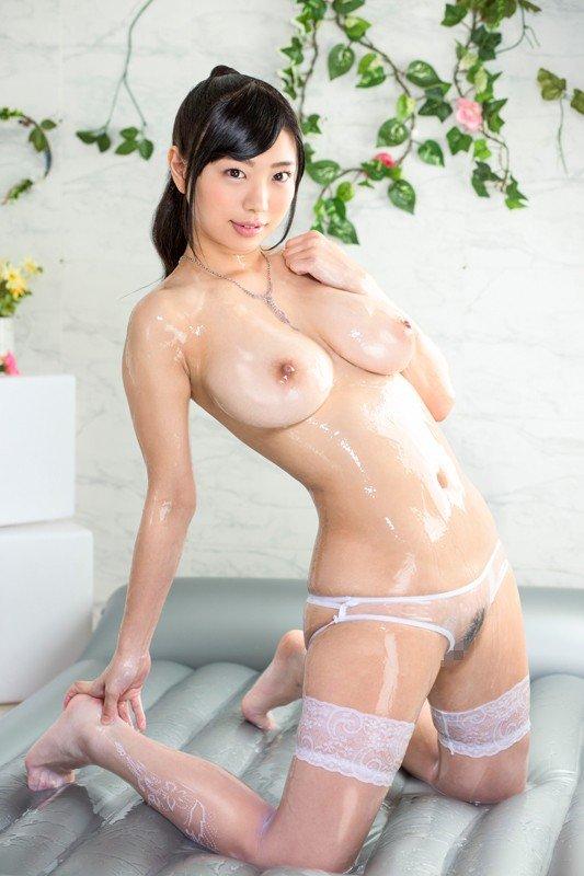 大きな乳房でパイズリしてSEX、桐谷まつり (7)