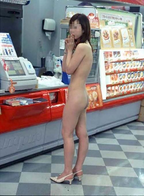 客がいても関係無く脱衣する素人さん (6)