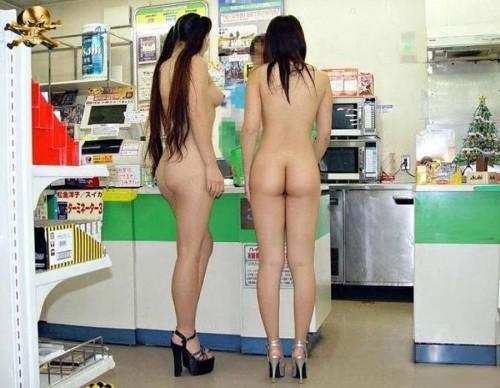 客がいても関係無く脱衣する素人さん (3)