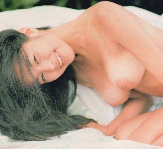 女優やアイドルの全裸姿が美しくエロい (1)
