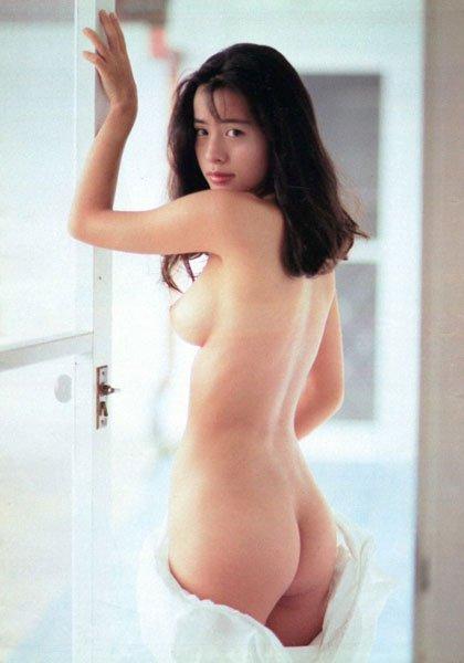 女優やアイドルの全裸姿が美しくエロい (17)