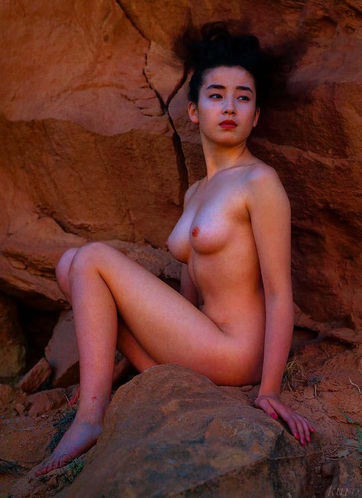 女優やアイドルの全裸姿が美しくエロい (5)