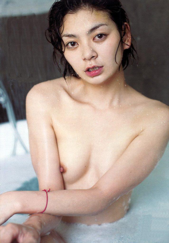 女優やアイドルの全裸姿が美しくエロい (13)