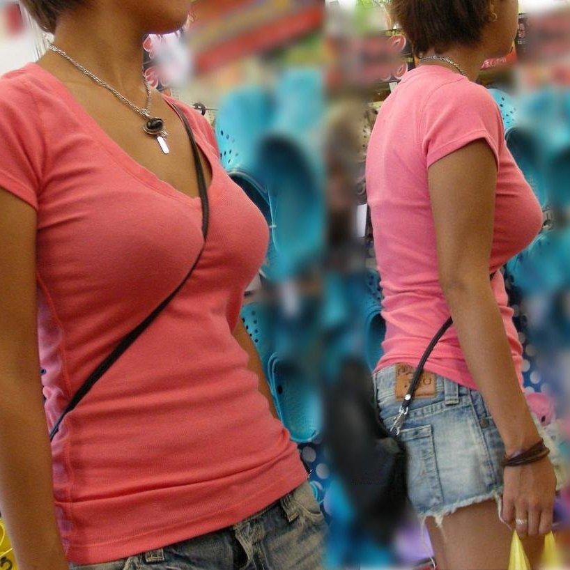 【パイスラ素人エロ画像】巨乳の谷間がクッキリな、素人パイスラ女性たち