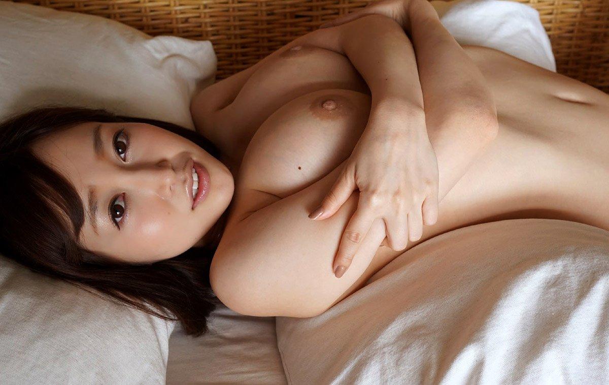 デカい胸&尻のセクシー美女がハメまくる、篠田ゆう (3)