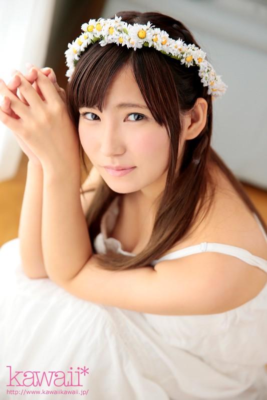 可愛い顔で濃厚なSEXをする、篠崎もも (7)