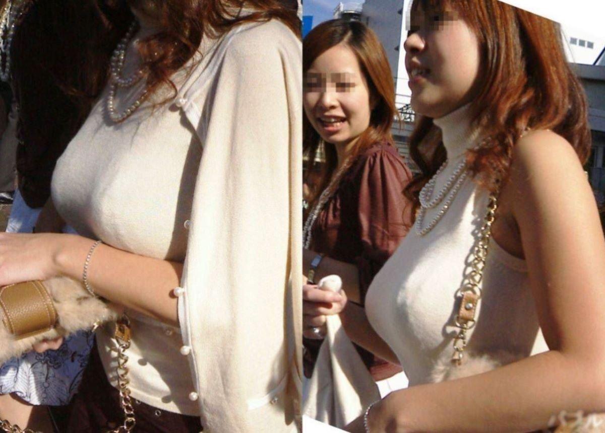 デカすぎる乳房が服を着ても丸分かり (2)