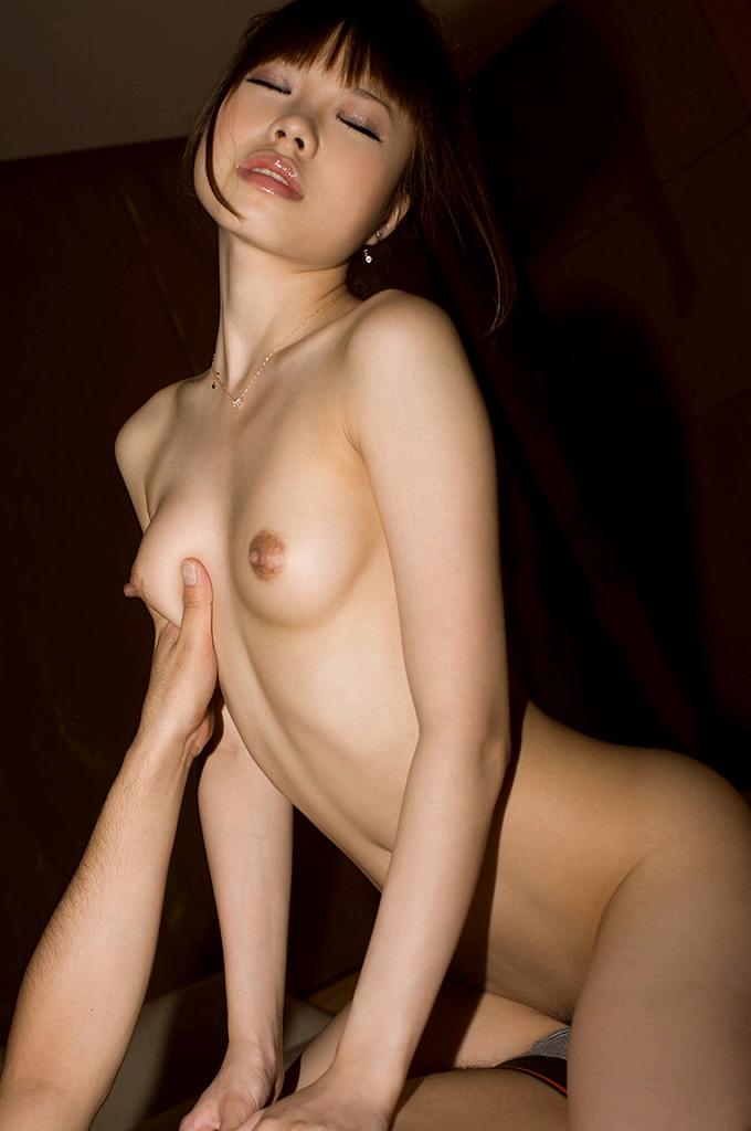 下から乳房を揉みながらSEXする (16)