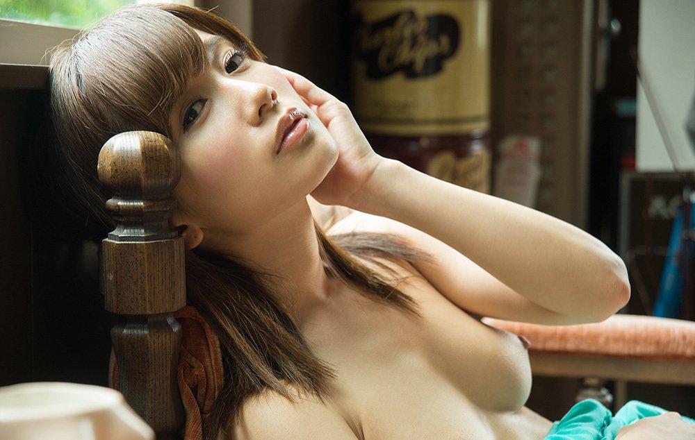 ちっちゃくでナイスバディな淫乱娘、小島みなみ (3)