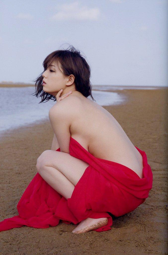 可愛くてデカパイのグラドル、篠崎愛 (2)