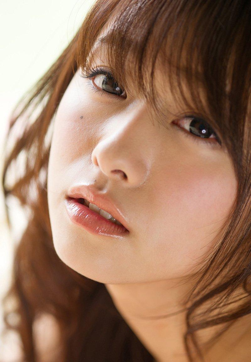 童顔巨乳な奥様の激しいSEX、白石茉莉奈 (3)