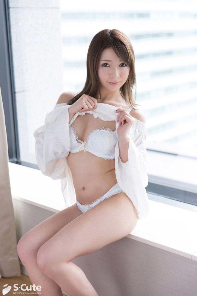 メイドカフェ店員が濃厚SEXで激イキ、白咲ゆず (2)