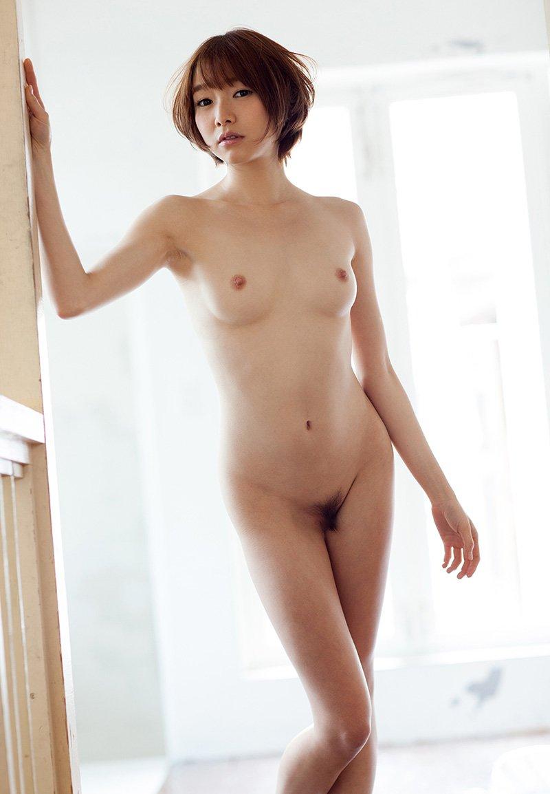 アイドルのような可愛さでSEXしまくる、涼川絢音 (19)