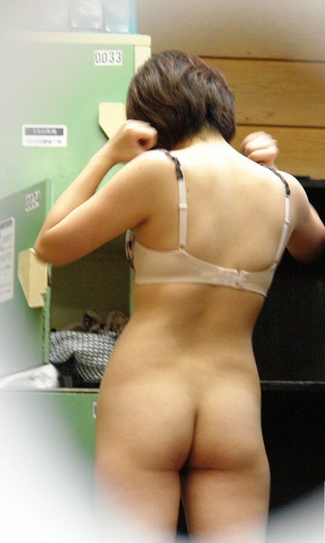 服を脱いで素っ裸になる素人さん (7)