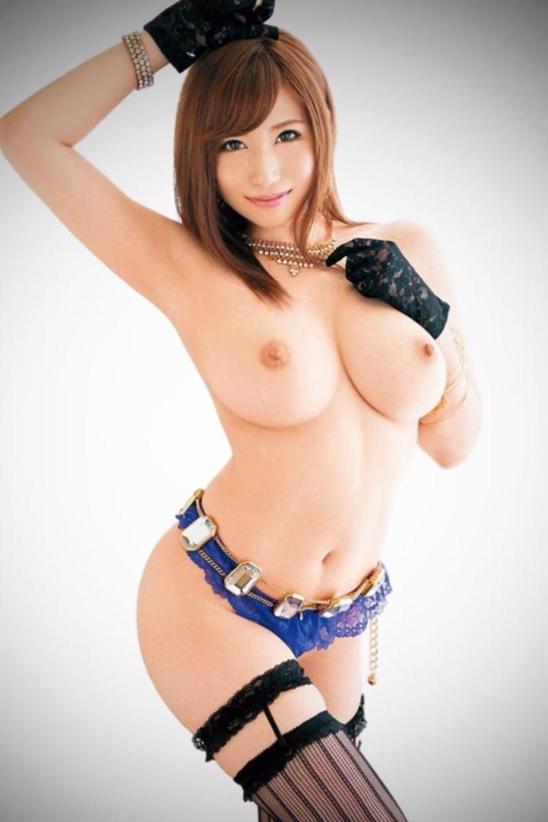 腰が細くてS字カーブがセクシーな全裸姿 (5)