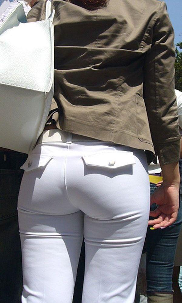 【透けパン エ□画像】白のスキニージーンズって一番パンツが透けやすい