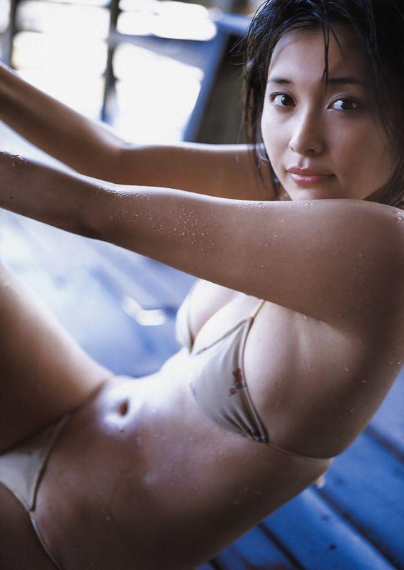 セクシーな色気全開のグラビアアイドル、山崎真実 (7)