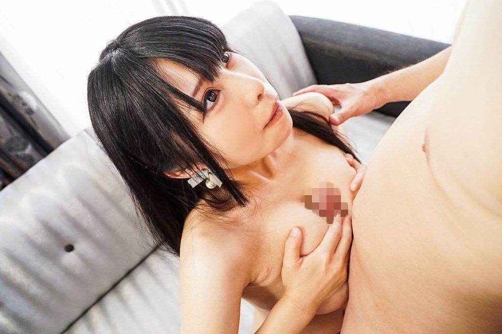 大きな乳房を揺らしてSEXする、花岡加菜 (12)