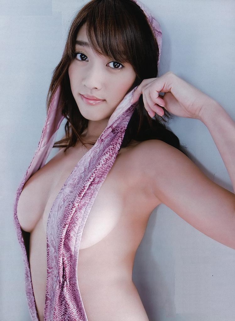 おっぱいが見えそうなセクシーボディ、原幹恵 (19)