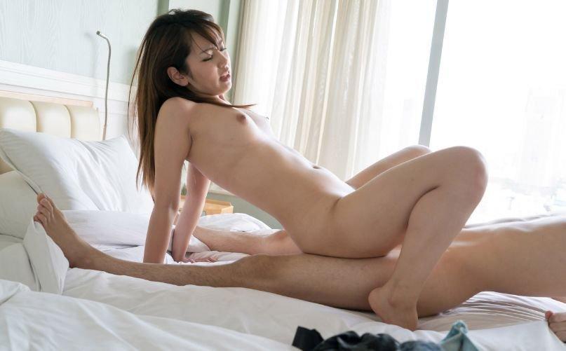 キュートな笑顔でハードなセックス、美咲かんな (12)