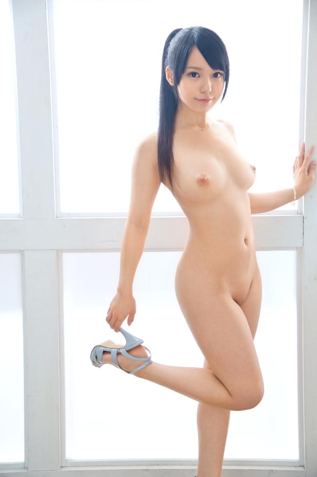 髪を縛った可愛い女の子の全裸姿がセクシー (20)