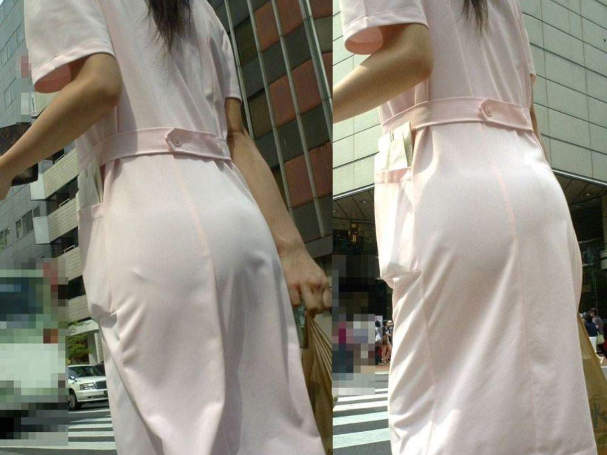 下着が透けたまま街を歩く女の子 (5)
