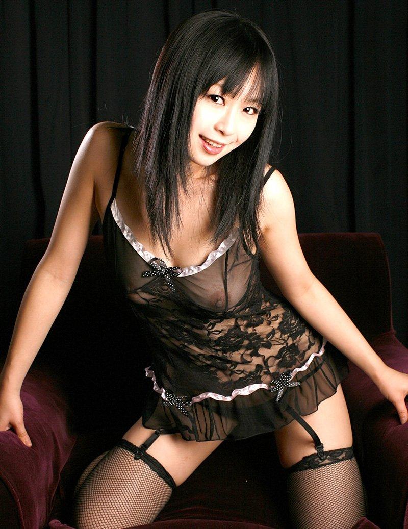 淫乱さが増している童顔熟女、羽月希 (2)
