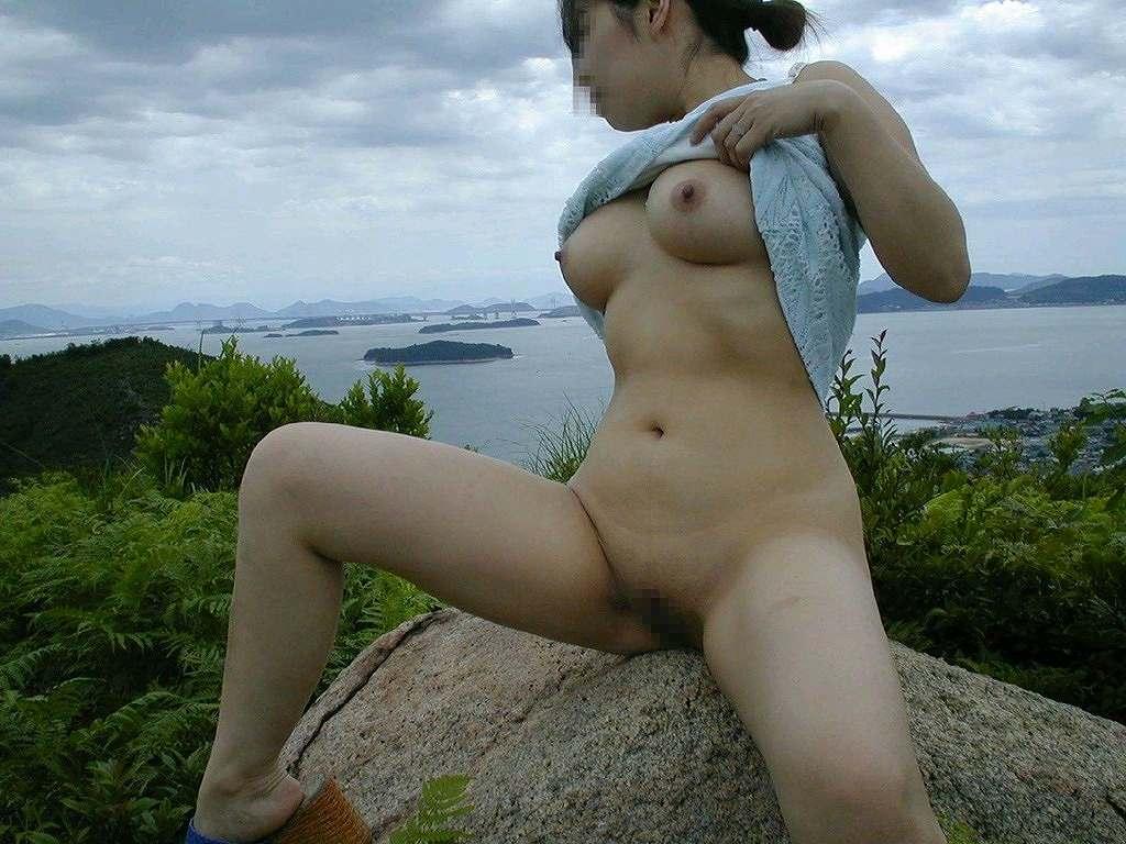 屋外でも関係無く素っ裸になっちゃう素人さん (10)