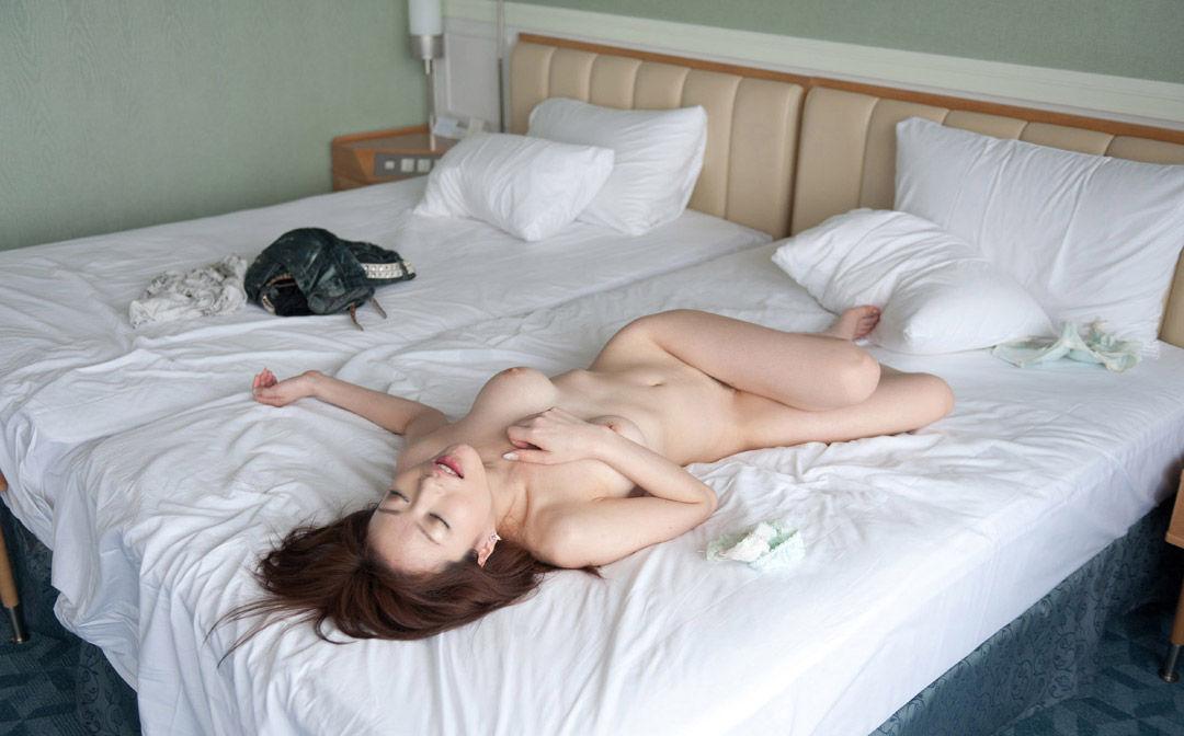 SEXが終わってグッタリしている女の子 (9)