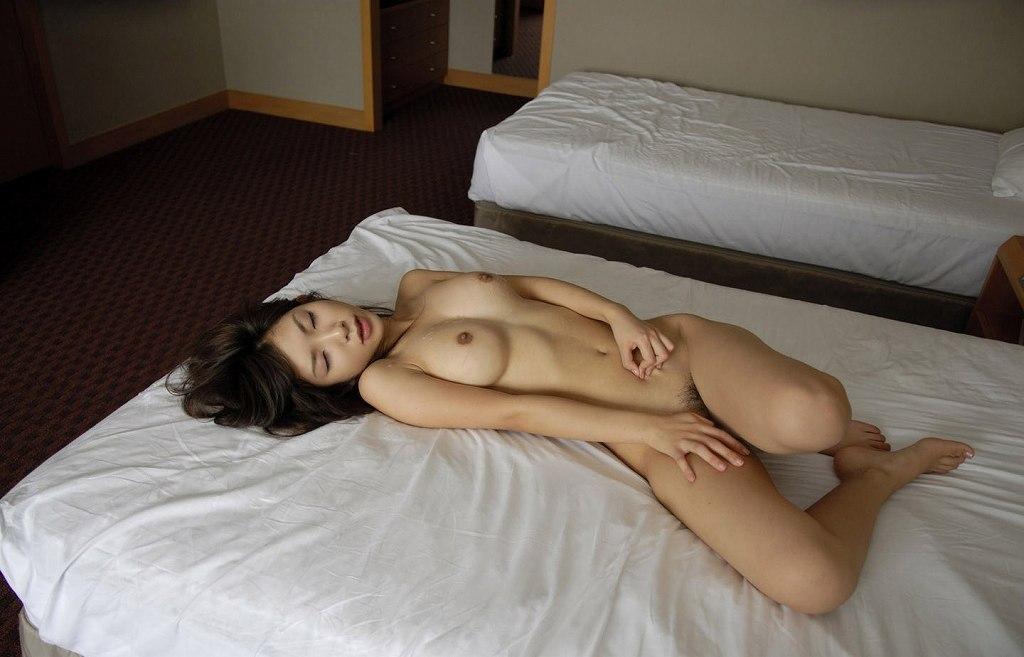 SEXが終わってグッタリしている女の子 (12)