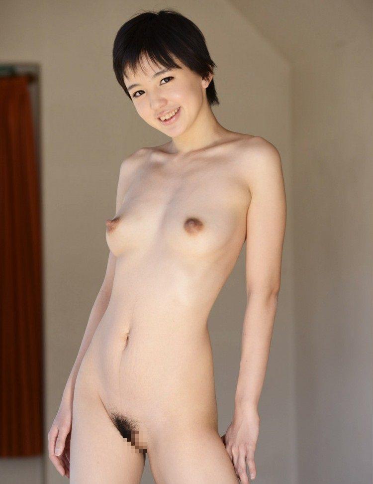 短い髪が良く似合うキュートな裸 (19)