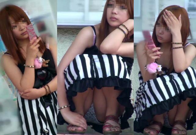 座ると見える女の子の下着 (3)