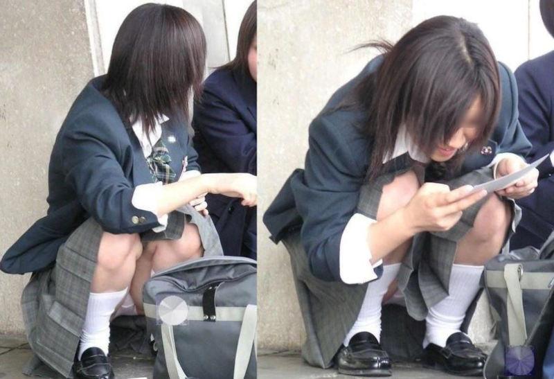 座ると見える女の子の下着 (2)