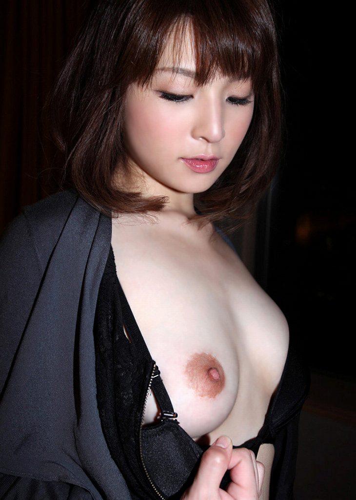 ペロペロしたくなるエッチな乳頭 (14)